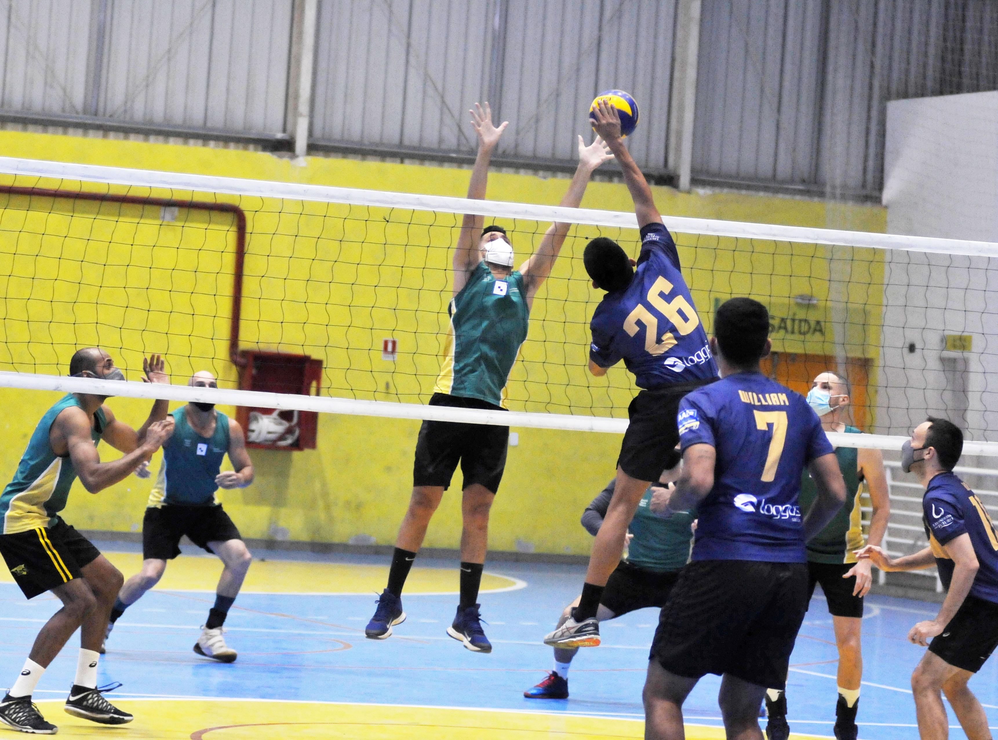 Com oito equipes, Campeonato de Vôlei Masculino começa em Petrópolis, RJ.